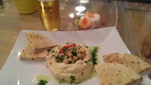 Hummus picante con pita